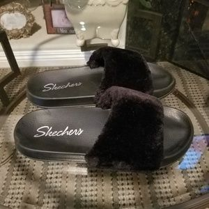 Skechers slides new without tags